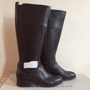 Brand new Bandolino brown boots